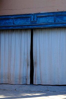 Blue - p1105m2043556 by Virginie Plauchut