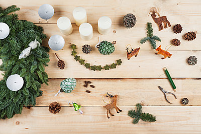 Advent wreath decoration items, self-made advent wreath with real fir tree green, DIY, deer, cones, candles, wire, pliers - p300m1581543 by Gaby Wojciech
