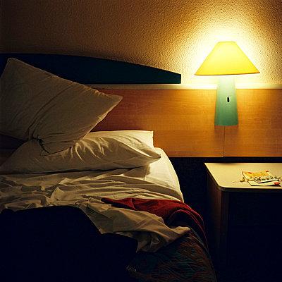 bed without sleeper - p5677101 by Sandrine Agosti-Navarri