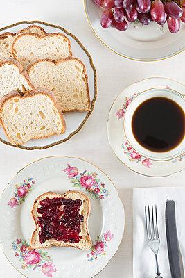 Breakfast - p1149m1123125 by Yvonne Röder