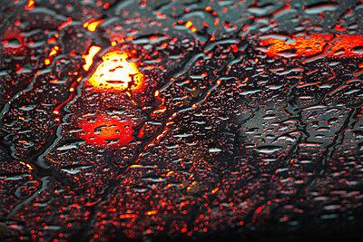 Rain on car window - p1418m1571750 by Jan Håkan Dahlström
