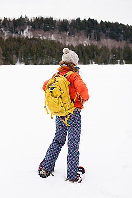 Winter clothing - p756m787422 by Bénédicte Lassalle