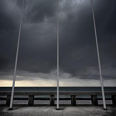 Drei Masten - p1137m940634 von Yann Grancher