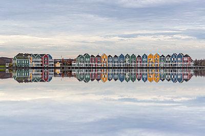 Netherlands, Holland, Rotterdam, Houten - p300m2062825 von Raul Podadera Sanz
