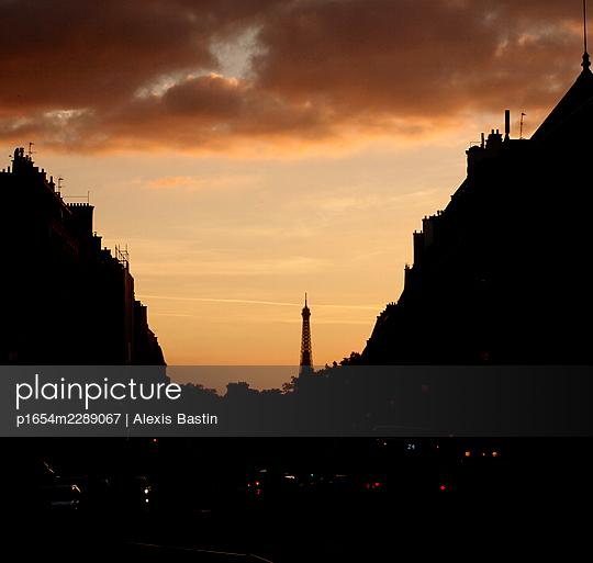 Sunset in Paris - p1654m2289067 by Alexis Bastin