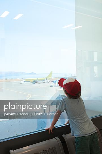 Waiting time - p454m2013832 by Lubitz + Dorner