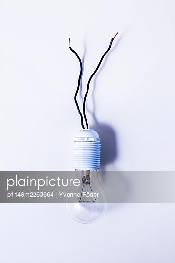 Light bulb - p1149m2263664 by Yvonne Röder