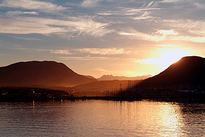 Harbour at sunset, Ushuaia, Argentina. - p855m2261324 by Natalie Tepper