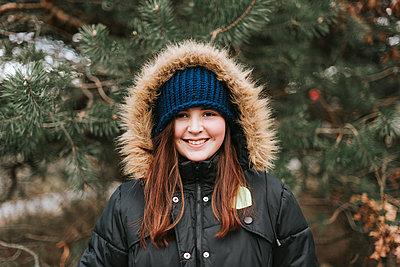 Happy girl - p1507m2165746 by Emma Grann