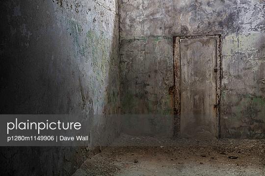 Verlies - p1280m1149906 von Dave Wall