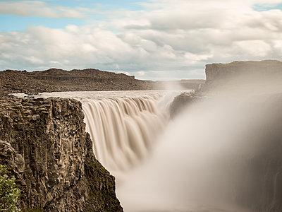 Wasserfall - p362m1541441 von André Wagner