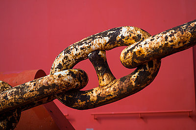 Anchor chain - p930m2148422 by Ignatio Bravo
