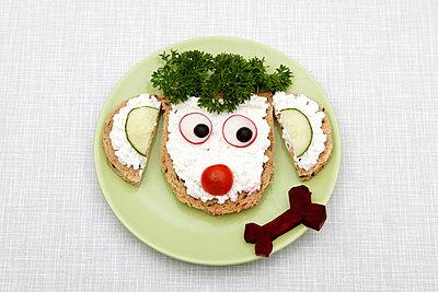 Funny meal - p238m831884 by Anja Bäcker