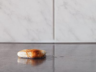 Seife, verklebt - p1008m1065751 von Valerie Schmidt