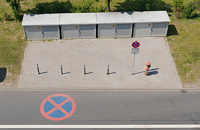 Germany, Transformators and No Parking Sign on street - p300m1047877f by visual2020vision