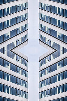 Abstract Architecture Kaleidoscope - p401m2219871 by Frank Baquet