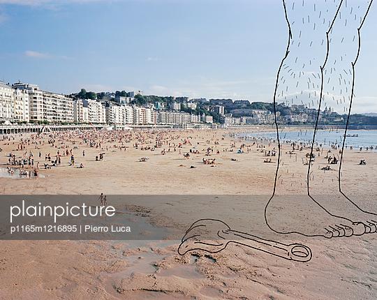 Imaginäre Füße auf dem Strand - p1165m1216895 von Pierro Luca