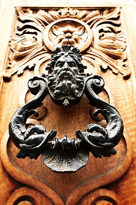 Door knocker - p597m1574265 by Tim Robinson
