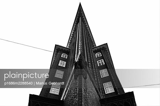 Front view, Chile House, Kontorhaus district, Hamburg - p1686m2288540 by Marius Gebhardt