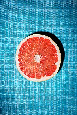 Grapefruit - p1149m1147201 by Yvonne Röder
