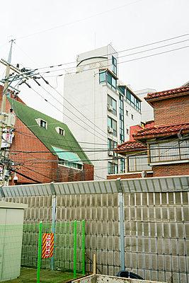 Stadtansicht in Seoul, Südkorea - p066m2015495 von Studio71