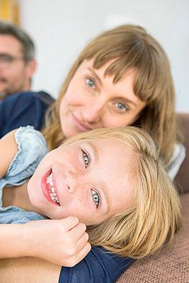 Mutter und Tochter - p1156m1591764 von miep