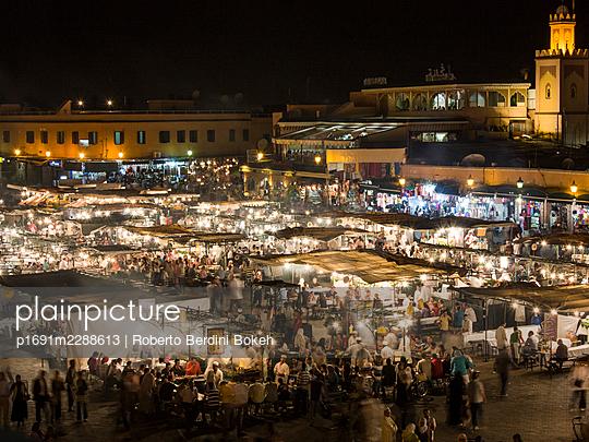 Jemaa el Fnaa at night - p1691m2288613 by Roberto Berdini Bokeh