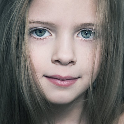 Portrait of girl - p1427m2085135 by Vladimir Serov