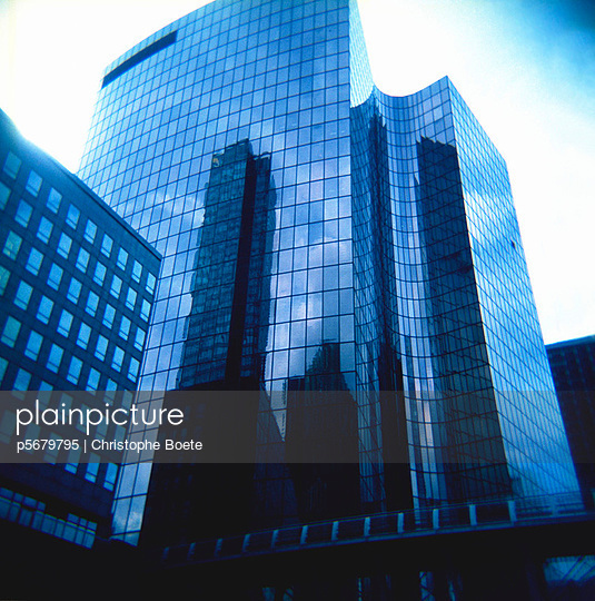 Pinhole camera - p5679795 by Christophe Boete