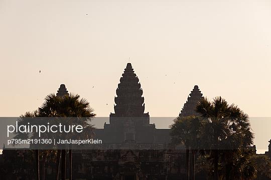 Temple in Angkor Wat, Siem Reap, Cambodia - p795m2191360 von JanJasperKlein