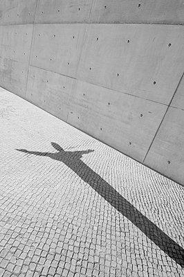 Shadow on Paul Lobe St, Berlin, germany - p871m1073763f by Neil Emmerson