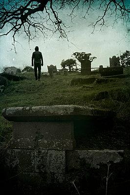 Alter Friedhof in Irland - p470m1134345 von Ingrid Michel