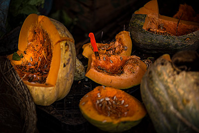 Pumpkins at the market - p1007m2092403 by Tilby Vattard