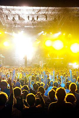 Live-Konzert auf dem Halderner Open Air Festival - p2280409 von photocake.de