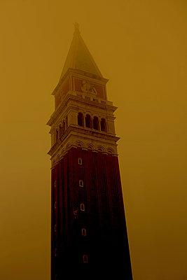 Campanile di San Marco, Venice - p1028m1586802 von Jean Marmeisse