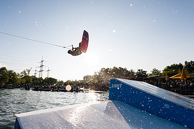 Wakeboard jumping - p1142m1220945 by Runar Lind