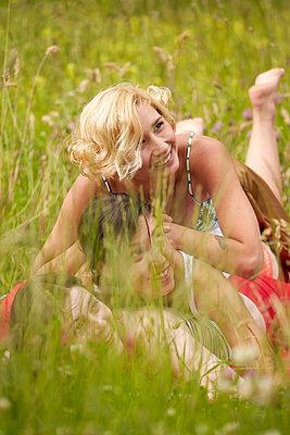 Girl friends - p888m956286 by Johannes Caspersen