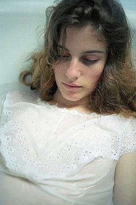 Gracile - p945m715952 by Aurelia Frey