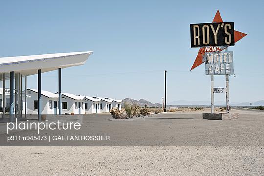 Roy's - p911m945473 by Gaëtan Rossier