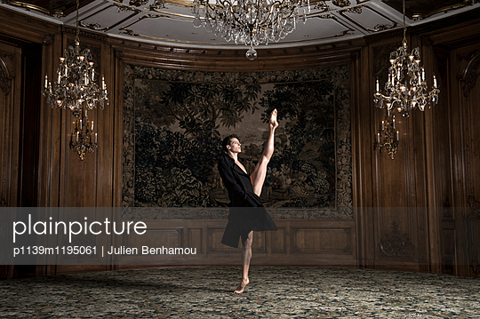 p1139m1195061 by Julien Benhamou