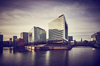 Spiegel Building, Hamburg - p851m2077241 by Lohfink