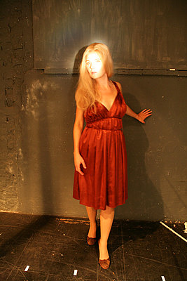 blondine im licht - p627m670711 by Chris Keller