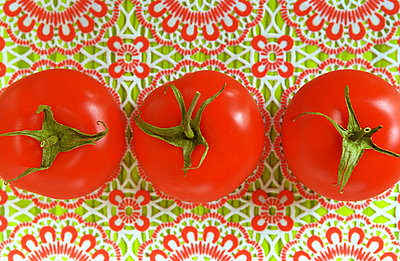 Tomato - p1650105 by Andrea Schoenrock