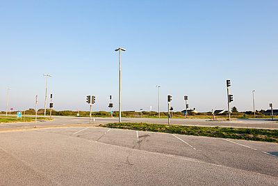 Empty bus park - p248m951421 by BY