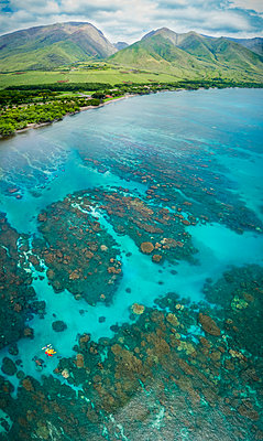 Aerial view of kayaks over the reefs off Olowalu, West Maui. Six photographs were combined for this final image; Lahaina, Maui, Hawaii, United States of America  - p442m1578811 by Dave Fleetham