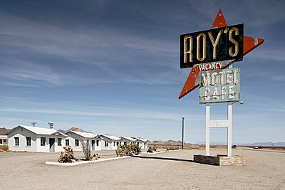 Roy's cafe is located on historic route 66  - p850m2026716 by FRABO