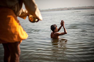 Varanasi - p1007m1060029 by Tilby Vattard
