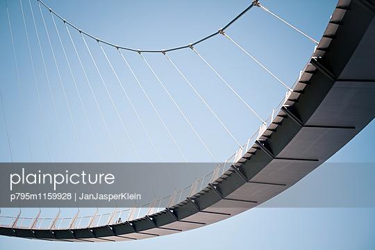 Brückenbogen - p795m1159928 von Janklein