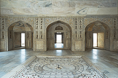 Ein Raum im Taj Mahal  - p1259m1108688 von J.-P. Westermann