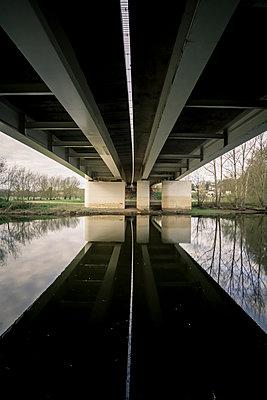 Pont du Cadre noir - p1402m2259679 by Jerome Paressant